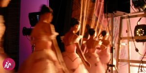 danseuses en coulisses pendant un spectacle